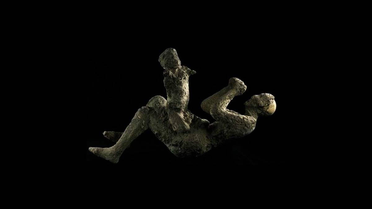 Photo of Taş kesilen pompei halkı ve resimleri