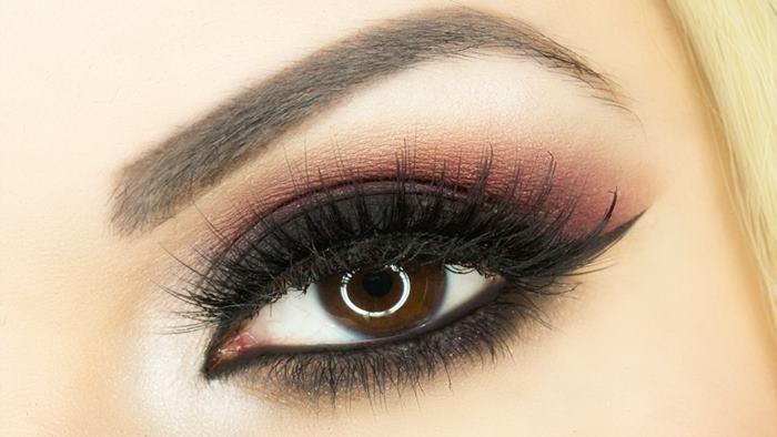 Photo of Dumanlı Göz Makyajı Nasıl Yapılır?