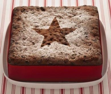Fırında Sıcak Çikolatalı Kek Tarifi