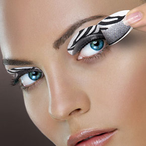 Göz rengine göre makyaj yapımı