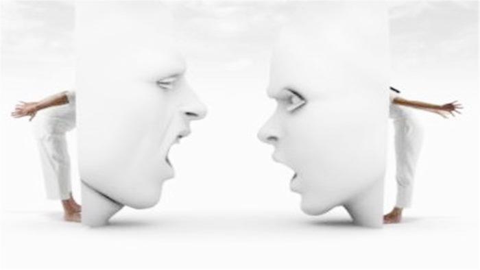 Rüyada Yabancı Dil Konuşmak Görmek