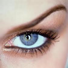 Yorgun Gözler İçin Cilt Bakımı