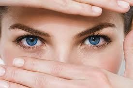 Göz altı torbalarından ameliyatsız kurtulma