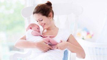Bebek Nasıl Emzirilir?