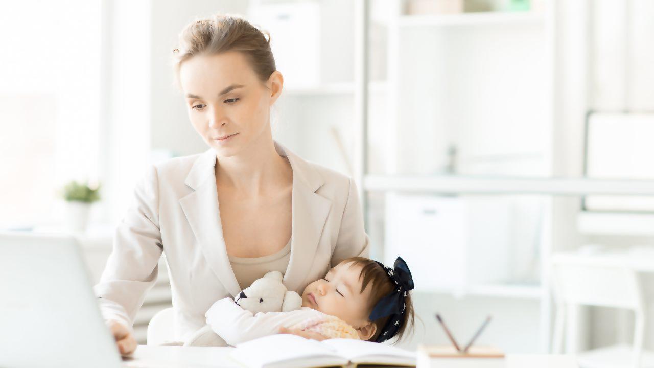 Çalışan anne desteği: Çalışan anneye doğum parası