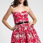 cicekli-elbise-modeli