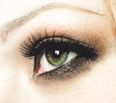 Dumanlı Göz Makyajı Nasıl Olmalı
