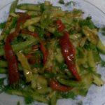 Kırmızı Biberli Kabak Salatası Tarifi