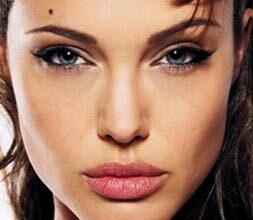Photo of Angelina Jolie Dudaklarının Sırrı Bal