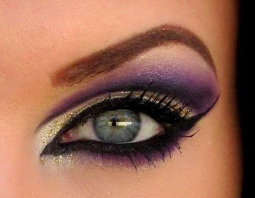 Büyüleyici Göz Makyajı