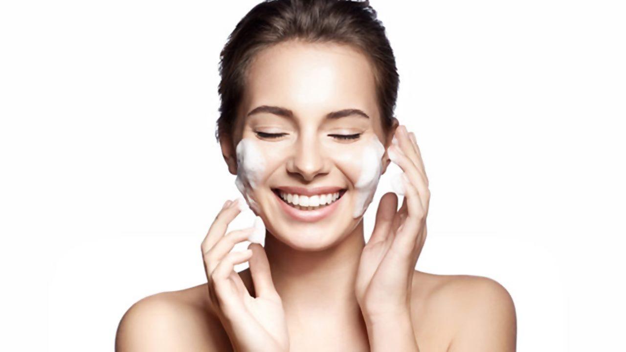 Yüz temizliği için doğal sabun önerileri