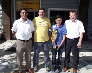 Fatih Koleji öğrencisi Süpermoto yarışmasında şampiyon oldu