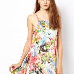 Askılı-çiçekli-elbise-modelleri