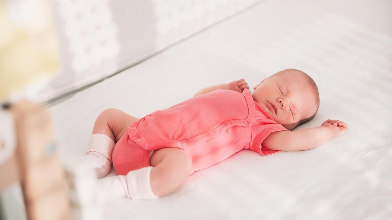 Bebeğin Uyku Düzeni Nasıl Olmalıdır?
