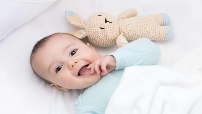 Bebeklerde Uyku Düzeni Nasıl Olmalı?