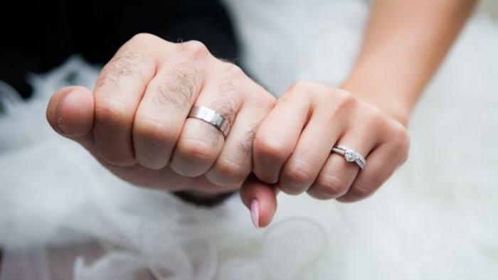 Görücü Usulü Evlilik Aşk Evliliğinden Uzun Sürüyor