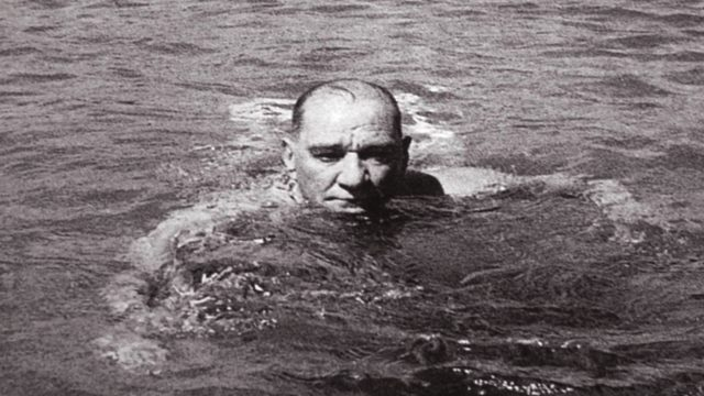 Atatürk'ün Florya Deniz Köşkü Denize Girerken Resmi