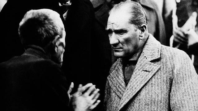 Atatürk Köylü Milletin Efendisidir Resmi