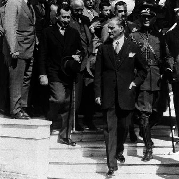 Atatürk Türkiye Büyük Millet Meclisi Resmi