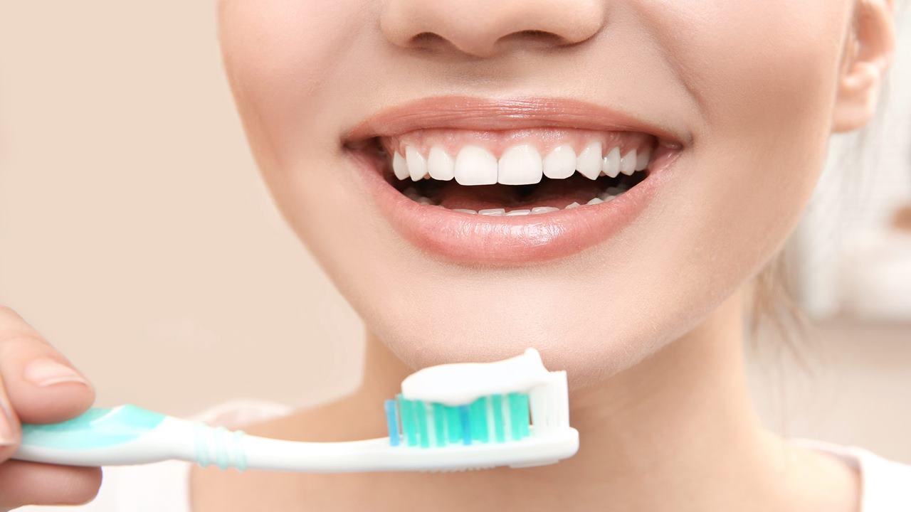 Diş fırçalamak misvak kullanmak orucu bozar mı?