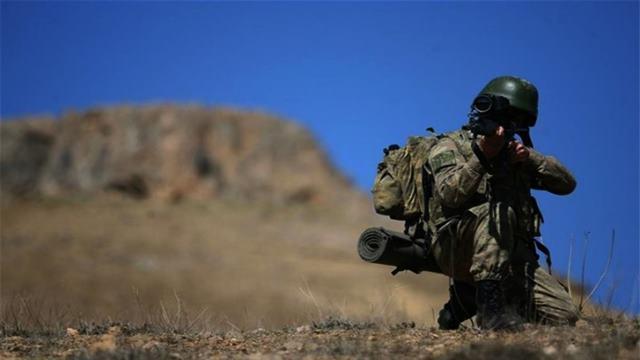 Yakışıklı Asker Fotoğrafları